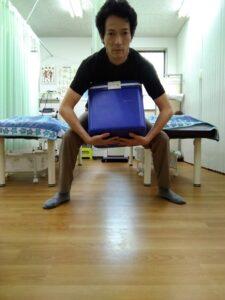持ち上げる身体操作